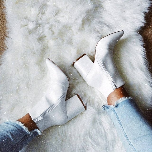 Stepping into the weekend like...👢💥 @_helloitsz_ • 🔍 DZZ08899. #BOOHOObabes